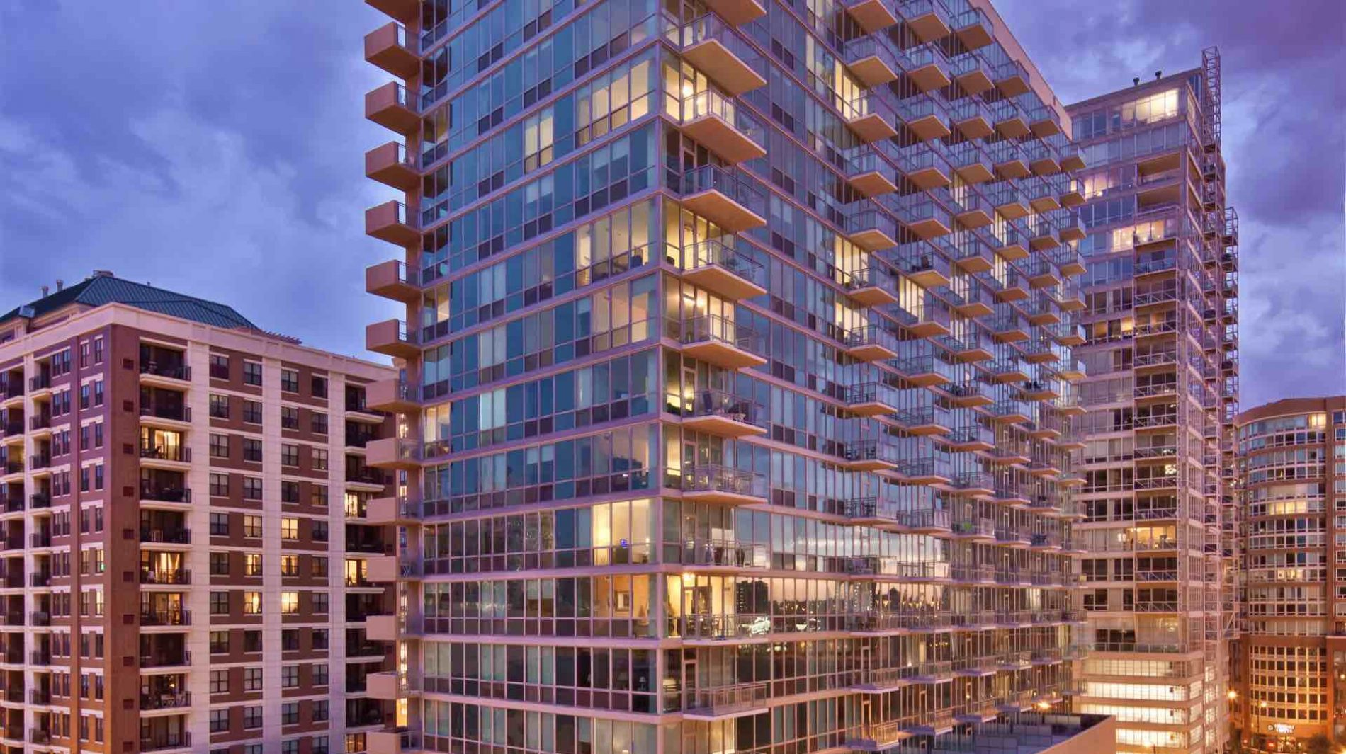 The first LEED Gold Certified residence in downtown Chicago, Parc Huron offers a breath of fresh air from the everyday in more ways than one.